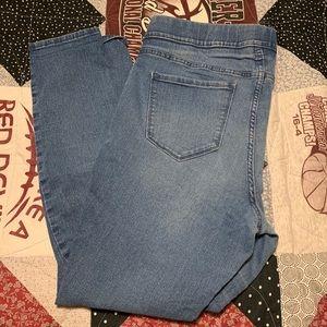 Old Navy Elastic Waist Skinny Jeans